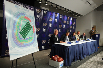 Charlie Weiss Yankee Stadium to host Notre Dame-Army Matchup in 2010