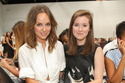 Stylist Kelly Framel (L) and sister Erin Framel attend the Yigal Azrouel fashion show on September 7, 2014 in New York City.