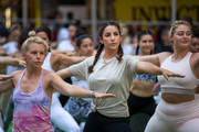 Yogis Mark Summer Solstice With Yoga Session In New York's Times Square