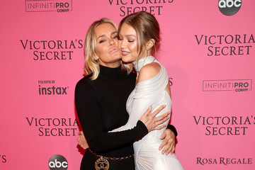 Yolanda Hadid 2018 Victoria's Secret Fashion Show in New York - After Party Arrivals