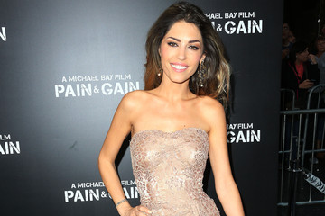 Yolanthe Cabau Arrivals at the 'Pain & Gain' Premiere