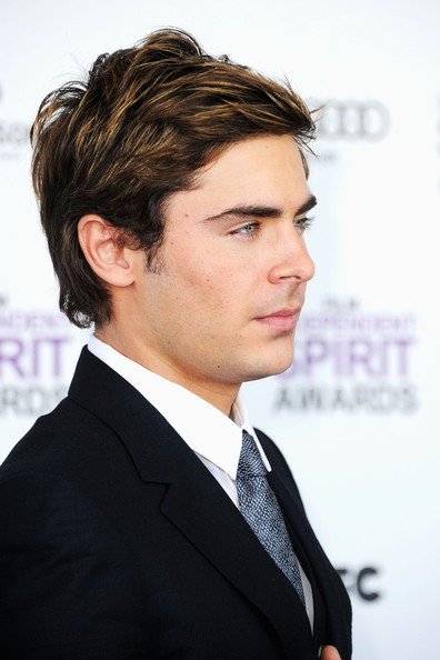 Zac Efron Photos - 2012 Film Independent Spirit Awards - Arrivals ...