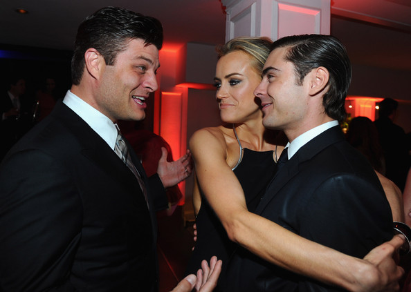 Zac Efron Taylor Schilling
