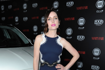 Zoe Lister Jones Vanity Fair And FIAT Young Hollywood Celebration - Red Carpet