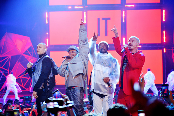 Spotify Awards In Mexico – Inside [entertainment,performance,pink,magenta,social group,purple,event,violet,red,fun,j balvin,taboo,will.i.am,l-r,mexico,apl.,mexico city,the black eyed peas,ap,spotify awards,matthieu chedid,concert,public relations,musical theatre,theatre,performance art,crowd,art,public]