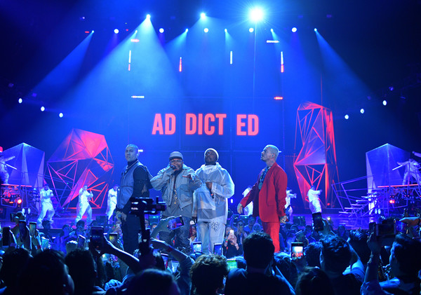 Spotify Awards In Mexico – Inside [performance,entertainment,performing arts,concert,stage,rock concert,music,event,music artist,public event,j balvin,taboo,will.i.am,l-r,mexico,apl.,mexico city,the black eyed peas,ap,spotify awards,rock concert,popmuzik,concert,m,musical theatre,singer-songwriter,theatre,rock]