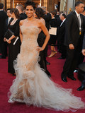 Who was best dressed at the 2011 Oscars?