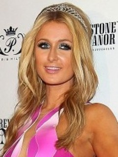 paris dating river Paris hilton and her boyfriend, thomas gross, have split after a year of dating, a source confirms to 'us weekly.