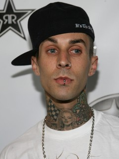 Travis barker dating 2010 2
