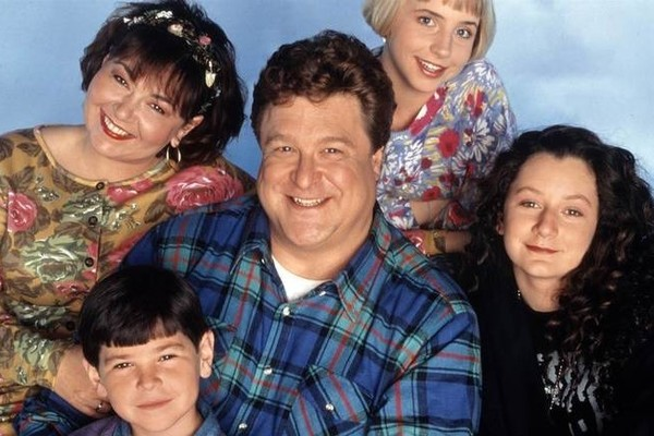Roseanne revival is officially underway as pictures of first table read emerge