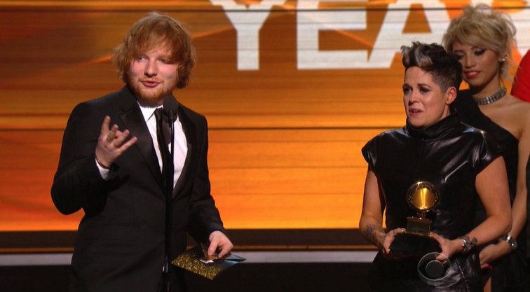 Ed Sheeran Wins Song of the Year for 'Thinking Out Loud,' Thanks Parents for Their Support