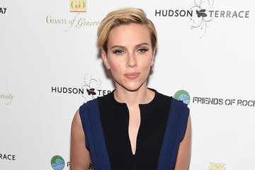 Scarlett Johansson Steps Out for a Good Cause