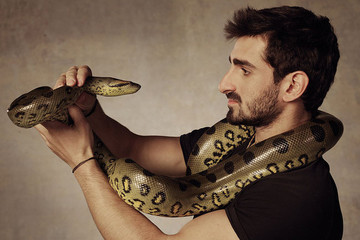 The 'Eaten Alive' Guy Failed to Be Eaten Alive by an Anaconda
