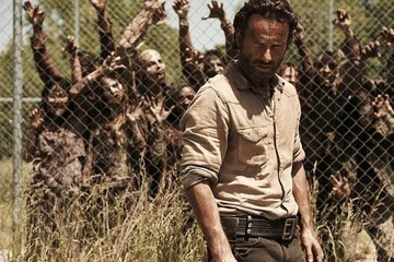 Are People Finally Bored with 'The Walking Dead'?
