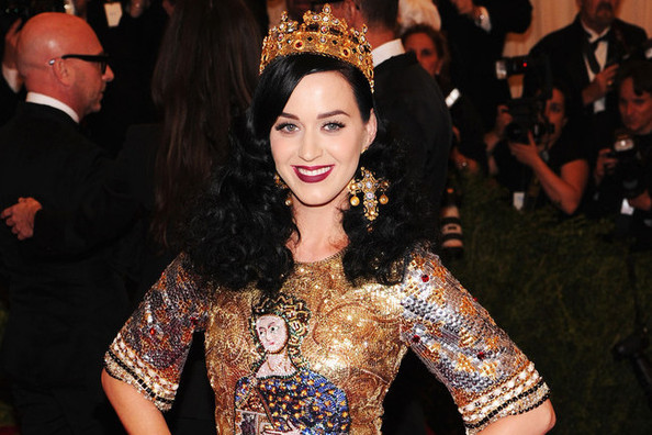 Katy Perry's American 'Vogue' Debut, The Simpsons in Sneaker Form, and More!