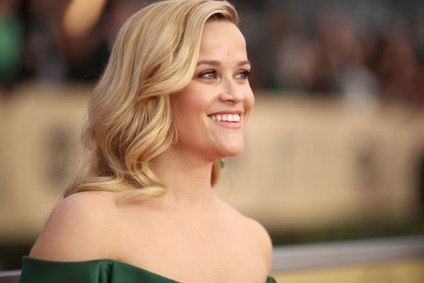 Reese Witherspoon Has Elle Woods Exchange With Enthusiastic Journalist