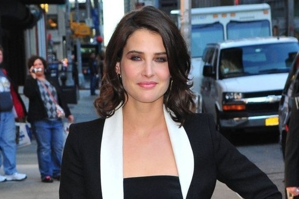 Cobie Smulders's Black, White, and Pink Statement