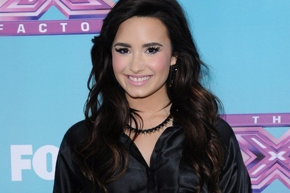 Demi Lovato Got a Dramatic Hair Makeover—Thoughts?