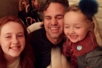 Mark Ruffalo Thanked Two Girls for Finding His Phone in the Cutest Way
