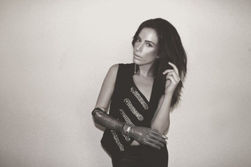 Meet the Model With a Bionic Arm Who Will Walk in NY Fashion Week
