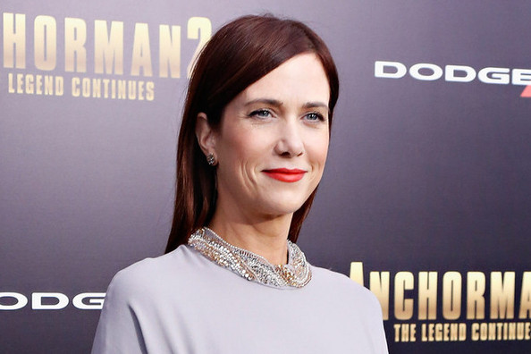 Get a Ruby Red Hair Makeover à la Kristen Wiig