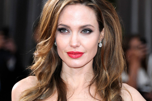 Inspirational: Angelina Jolie Shares Her Story About Having a Preventative Double Mastectomy