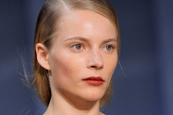 The Cool New Way to Wear Lip Gloss (Hint: It Has Nothing to Do With Your Lips!)