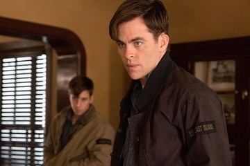 'The Finest Hours' Takes a Thrilling Rescue and Ruins it With Silly Drama