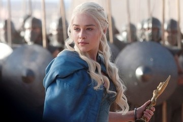 Emilia Clarke Wants to See All the 'Game of Thrones' Penises