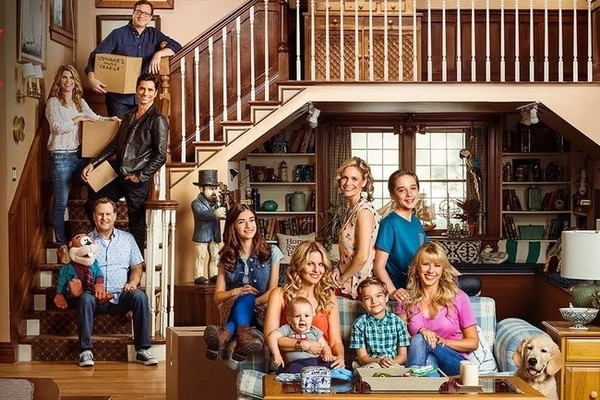 The Newest 'Fuller House' Teaser Features All of Your Favorite Characters