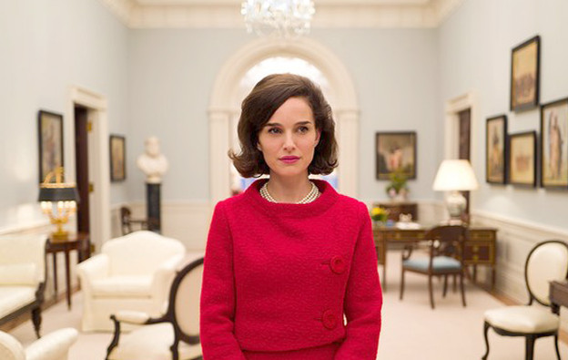 Natalie portman is the spitting image of jackie o in new for Jackie kennedy movie