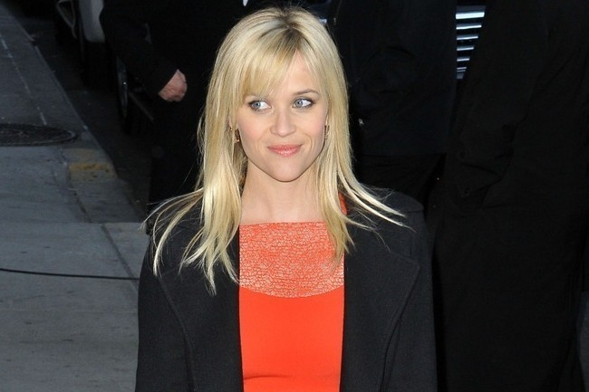 Reese Witherspoon's #1 Street Style Secret