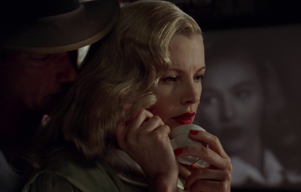 a comparison of la confidential and film noir La confidential (1997) - imdb 1950's los angeles is the in a time when it seems that every other movie makes some claim to being a film noir, la confidential.