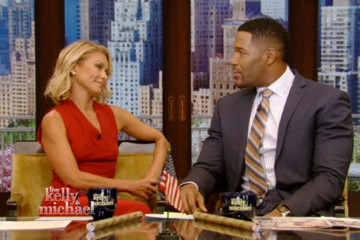 Kelly Ripa Returns to 'Live,' Jokes 'Our Long National Nightmare Is Over'
