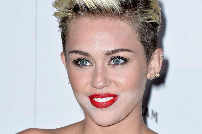 What Happened To Miley Cyrus Makeup