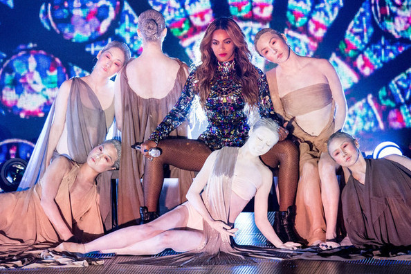 You Can Finally Watch Beyonce Slay Her 16-Minute MTV VMAs Performance