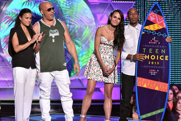 Vin Diesel Says Paul Walker Is Here 'In Spirit' at 2015 Teen Choice Awards