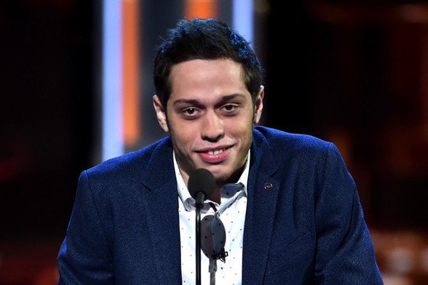 Pete Davidson raises concerns after posting troubling note, deleting Instagram