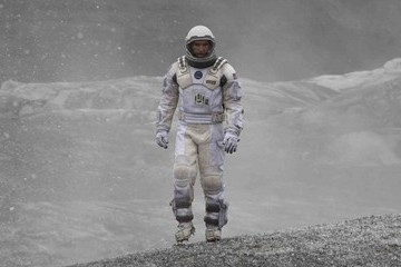 Visionary 'Interstellar' Doesn't Complete the Mission