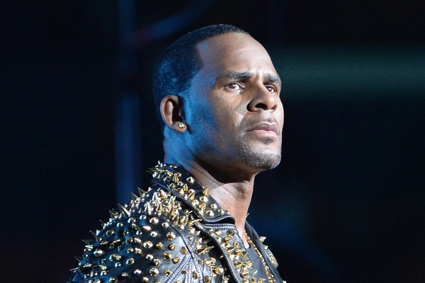 R. Kelly Vehemently Denies Abuse Allegations In New Interview