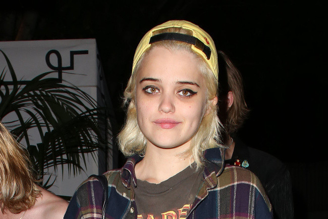 Sky Ferreira's Boyfriend Zachary Cole Smith Responds to ...