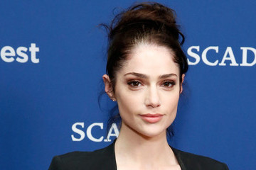 'Salem' Star Janet Montgomery Has Us Spellbound