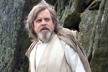 Mark Hamill Seriously Regrets Trash-Talking Luke Skywalker in 'The Last Jedi'
