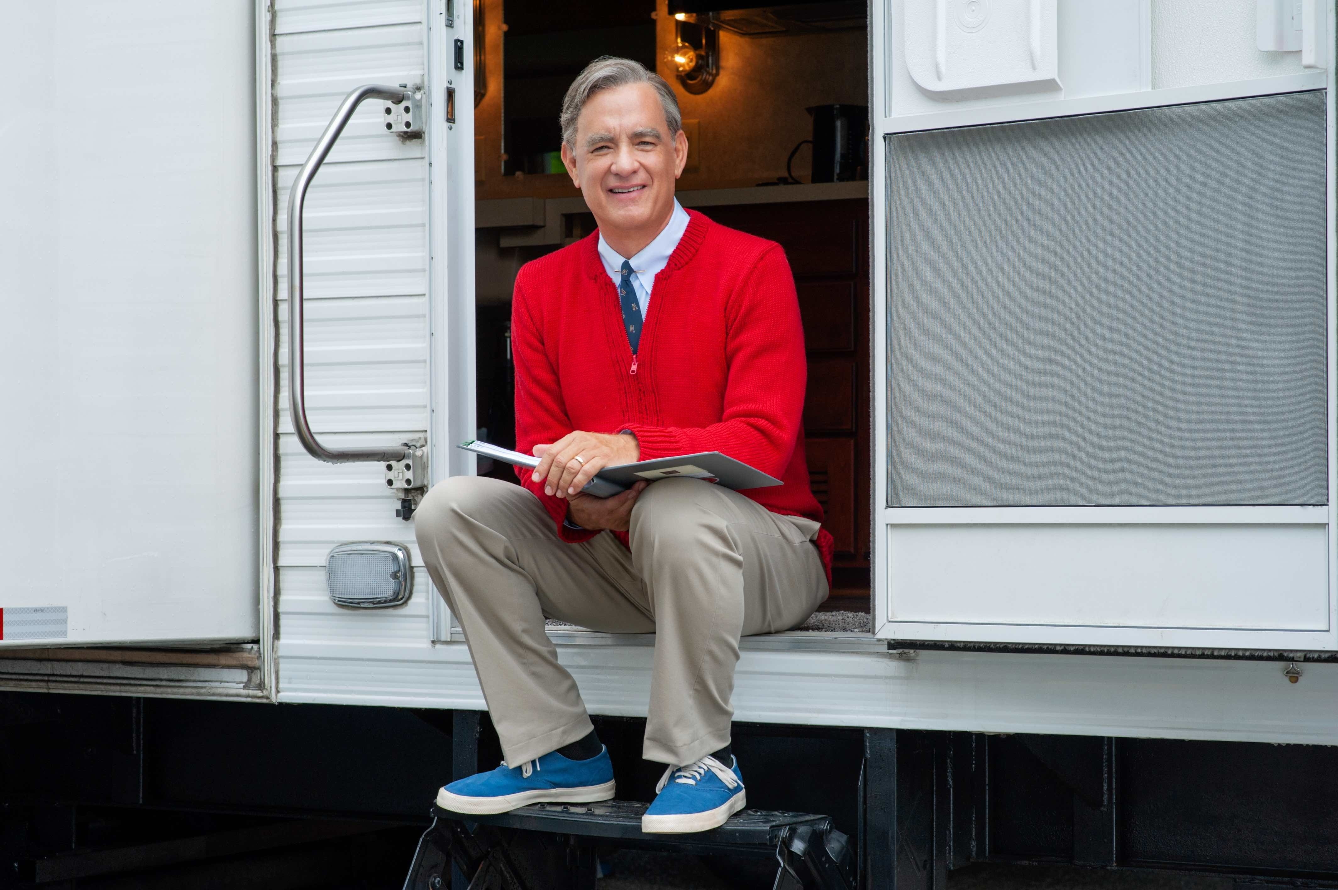 Here's Your First Look At Tom Hanks As Mr. Rogers