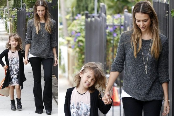 Get the Look - Jessica Alba's School Run Cool