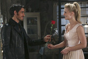 'Once Upon a Time' Sneak Peek: Captain Swan's First Date