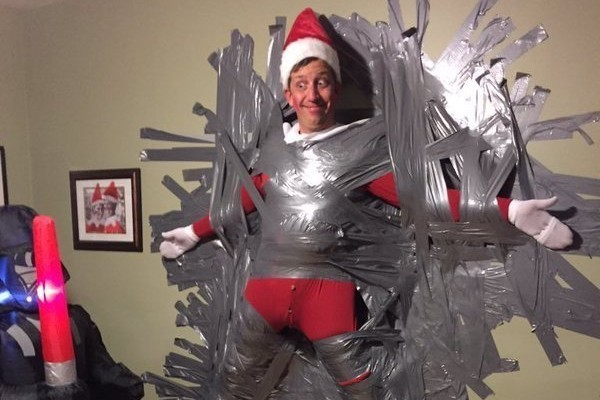 This Hilarious Guy Is The Real Life Elf On The Shelf