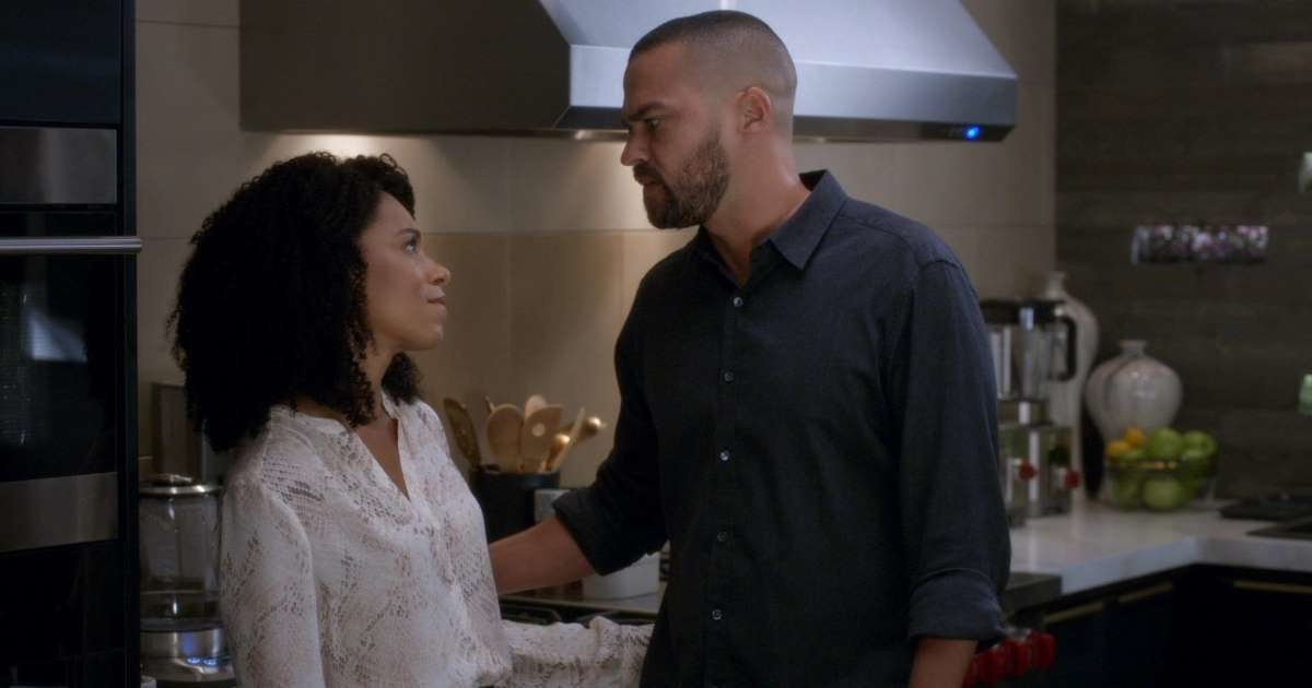 5 Juicy Moments You Might've Missed In The Fall Premiere Of 'Grey's Anatomy'