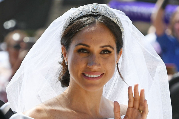 meghan markle s something blue once belonged to princess diana the royals zimbio once belonged to princess diana