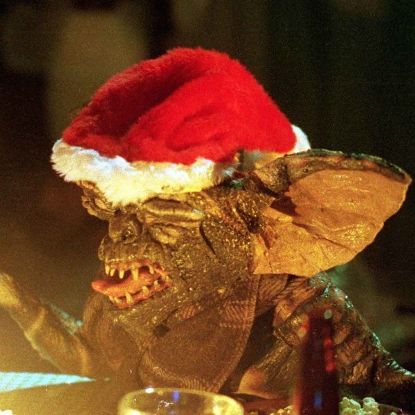 Gremlins Christmas.Gremlins 20 Creepy Christmas Movies That Will Get Horror
